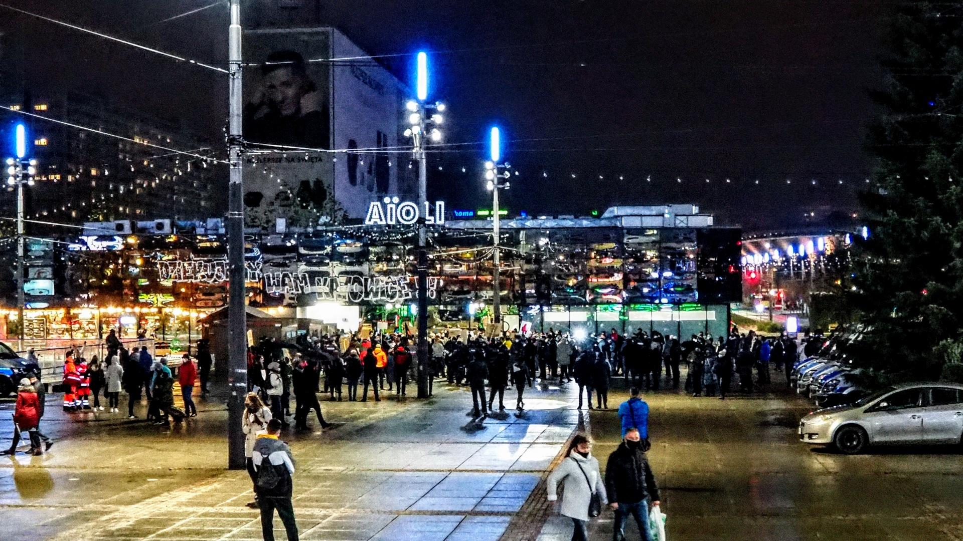Katowice – wspólny spacer w 102 rocznicę uzyskania praw wyborczych przez polskie kobiety