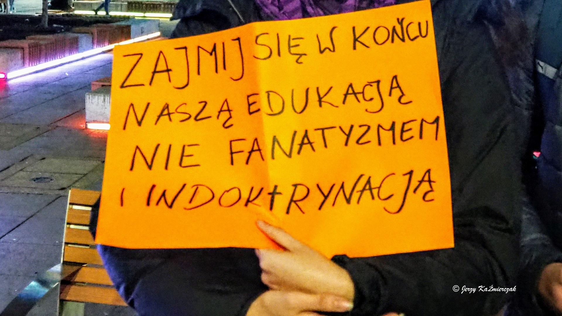 #WolnaSzkoła – Katowice przeciwko Czarnkowi